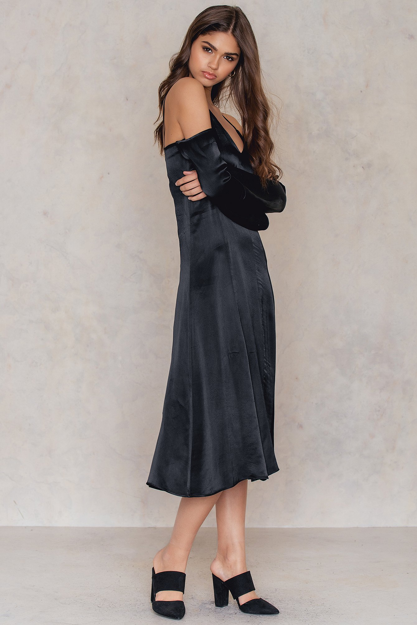 Cold Shoulder Slip Dress NA-KD.COM