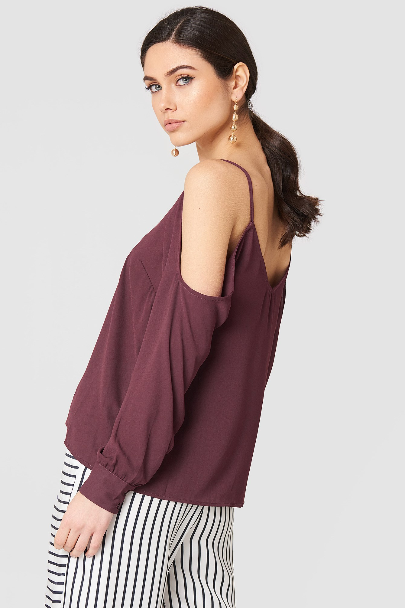 Cold Shoulder Top NA-KD.COM