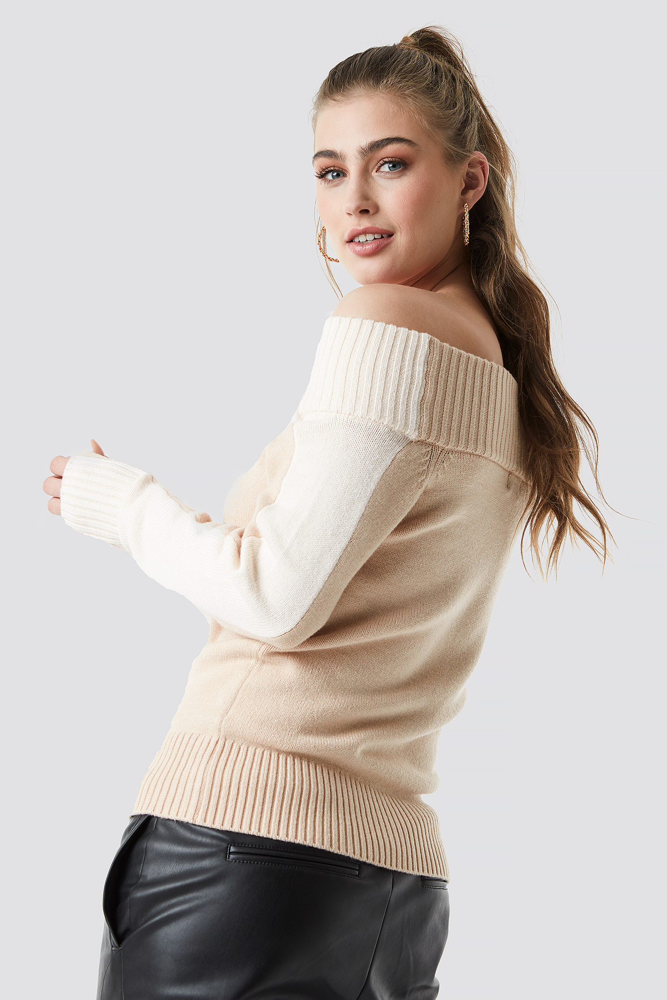 Color Block Off Shoulder Sweater NA-KD.COM