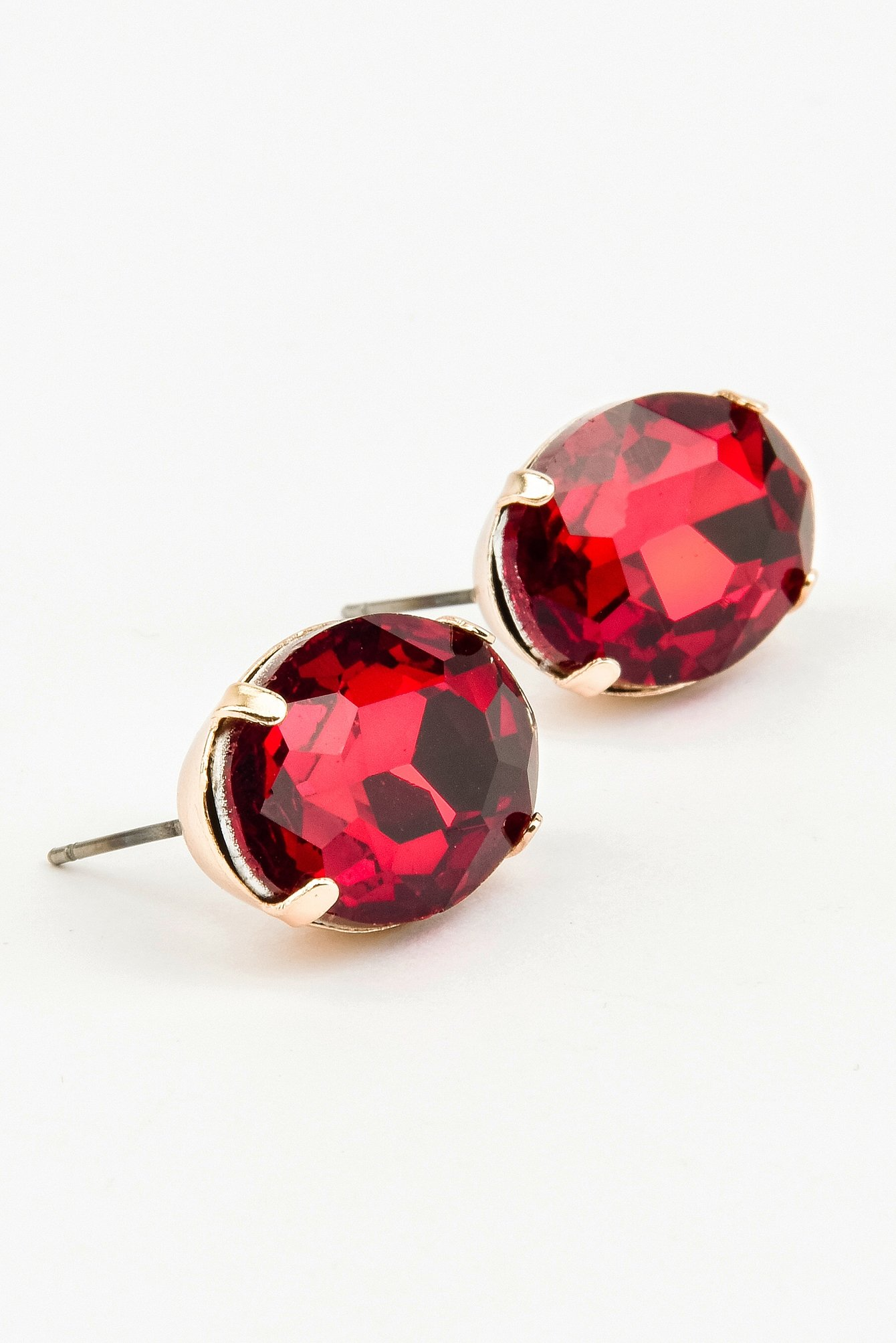 Red Colored Diamond Earrring