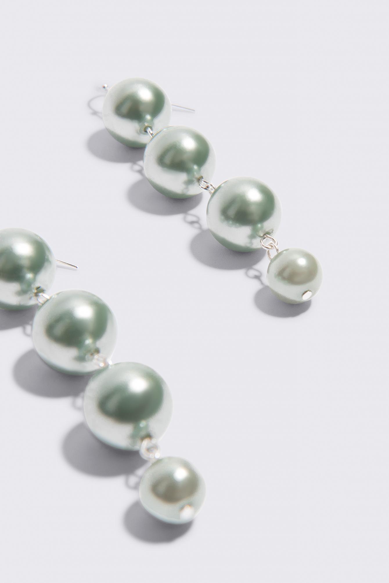Kolorowe kolczyki wiszące Pearl NA-KD.COM