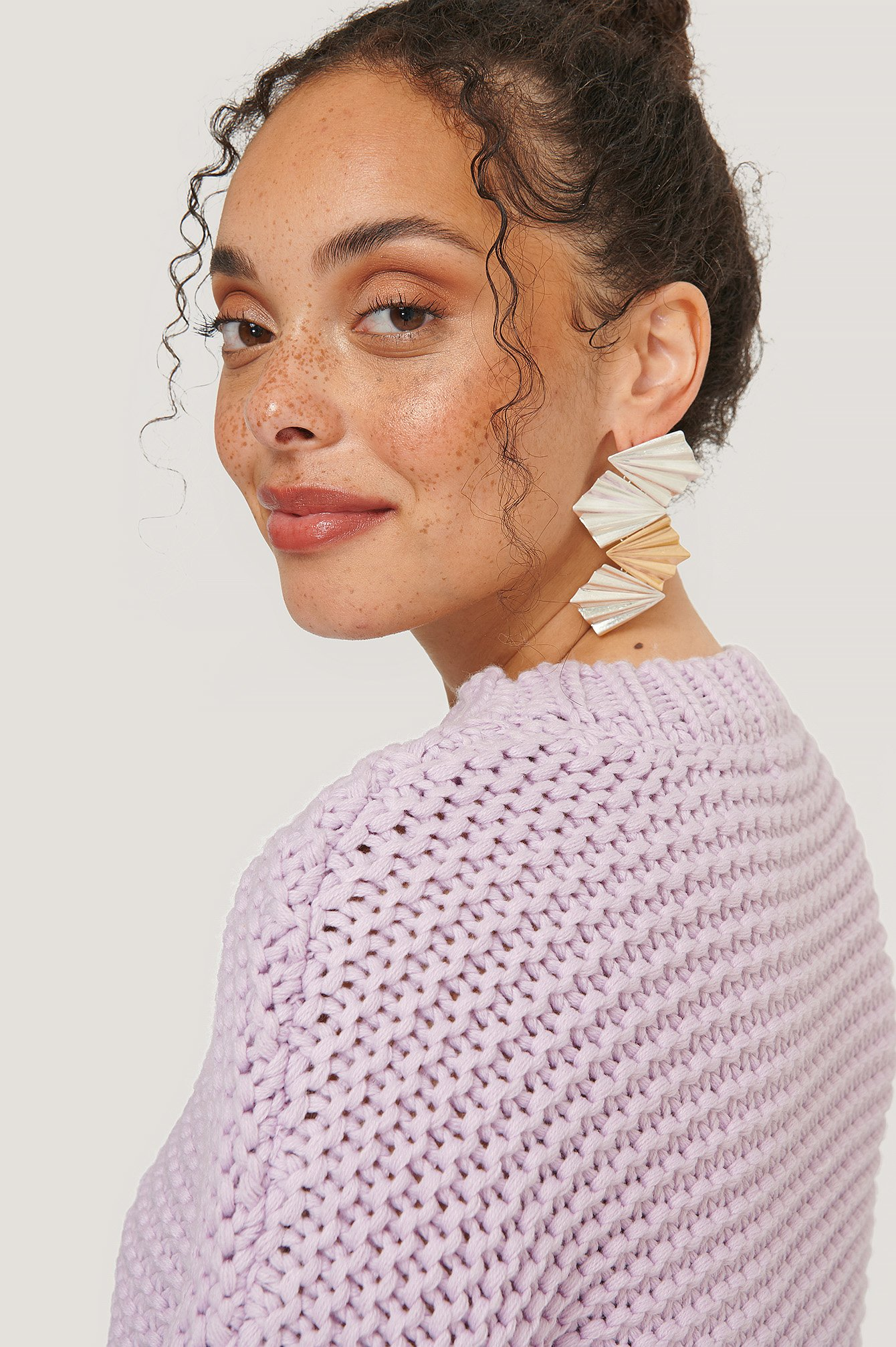 Silver/Gold Connected Ruffled Plate Earrings