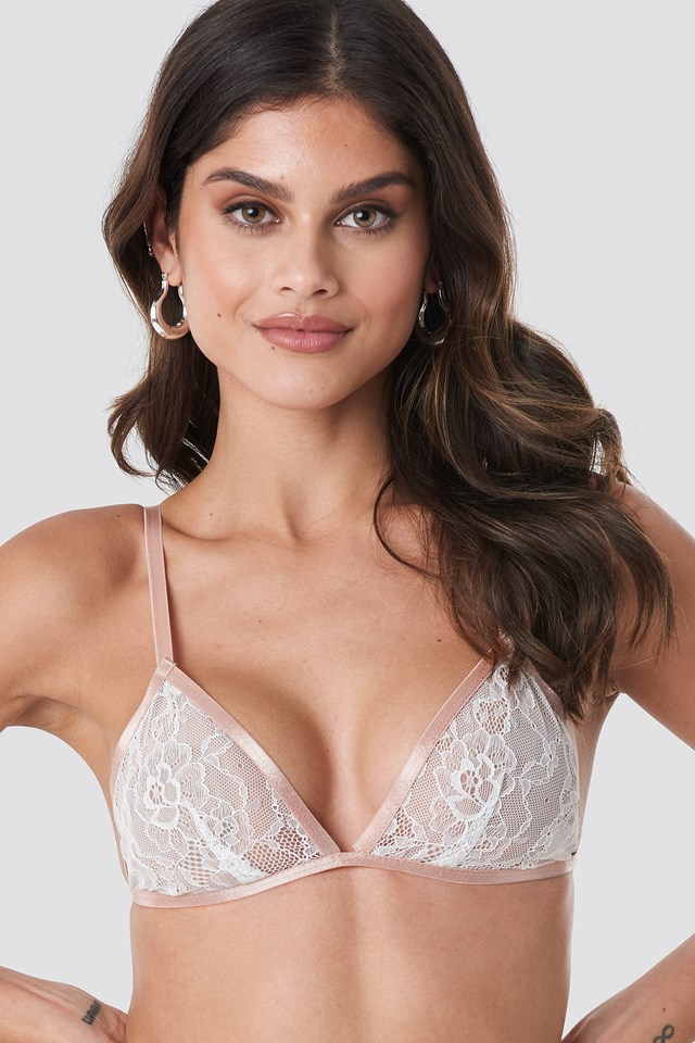 Contrast Elastic Lace Bra NA-KD Lingerie