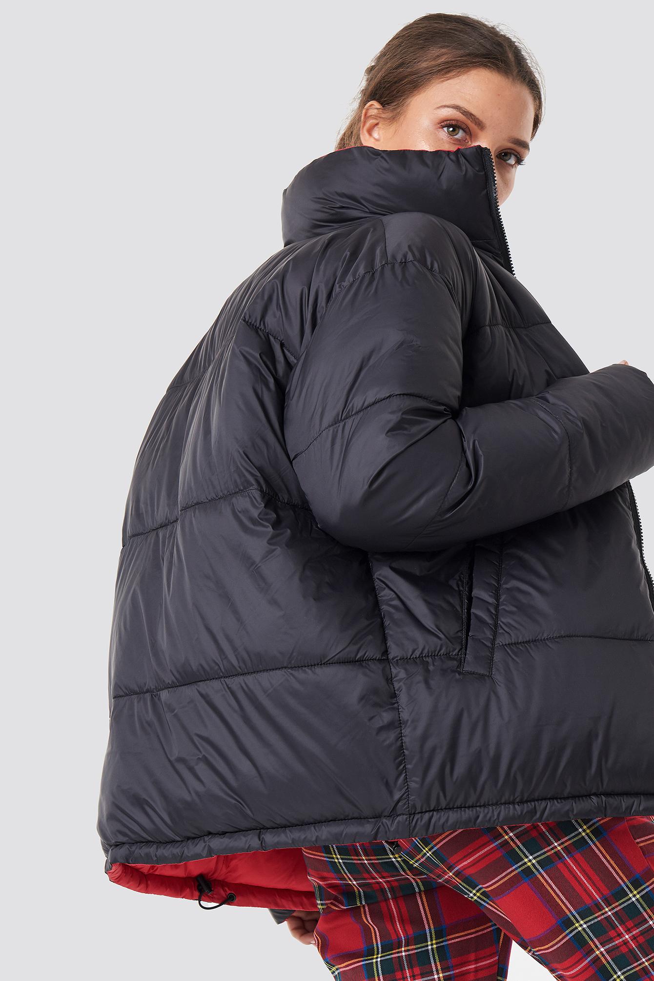 Kontrastowa kurtka watowana NA-KD.COM