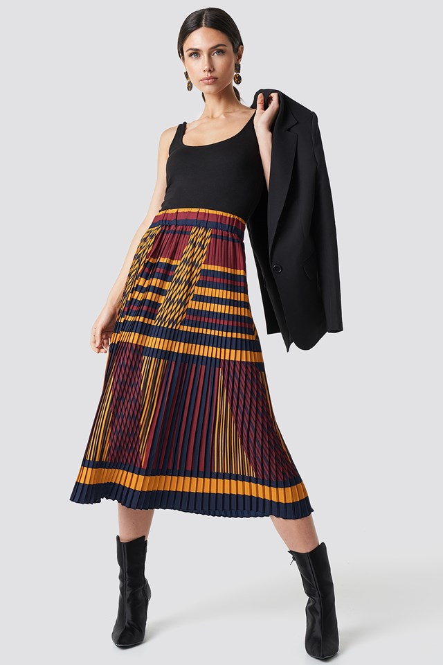 Criss-Cross Stripes Pleated Skirt NA-KD Trend