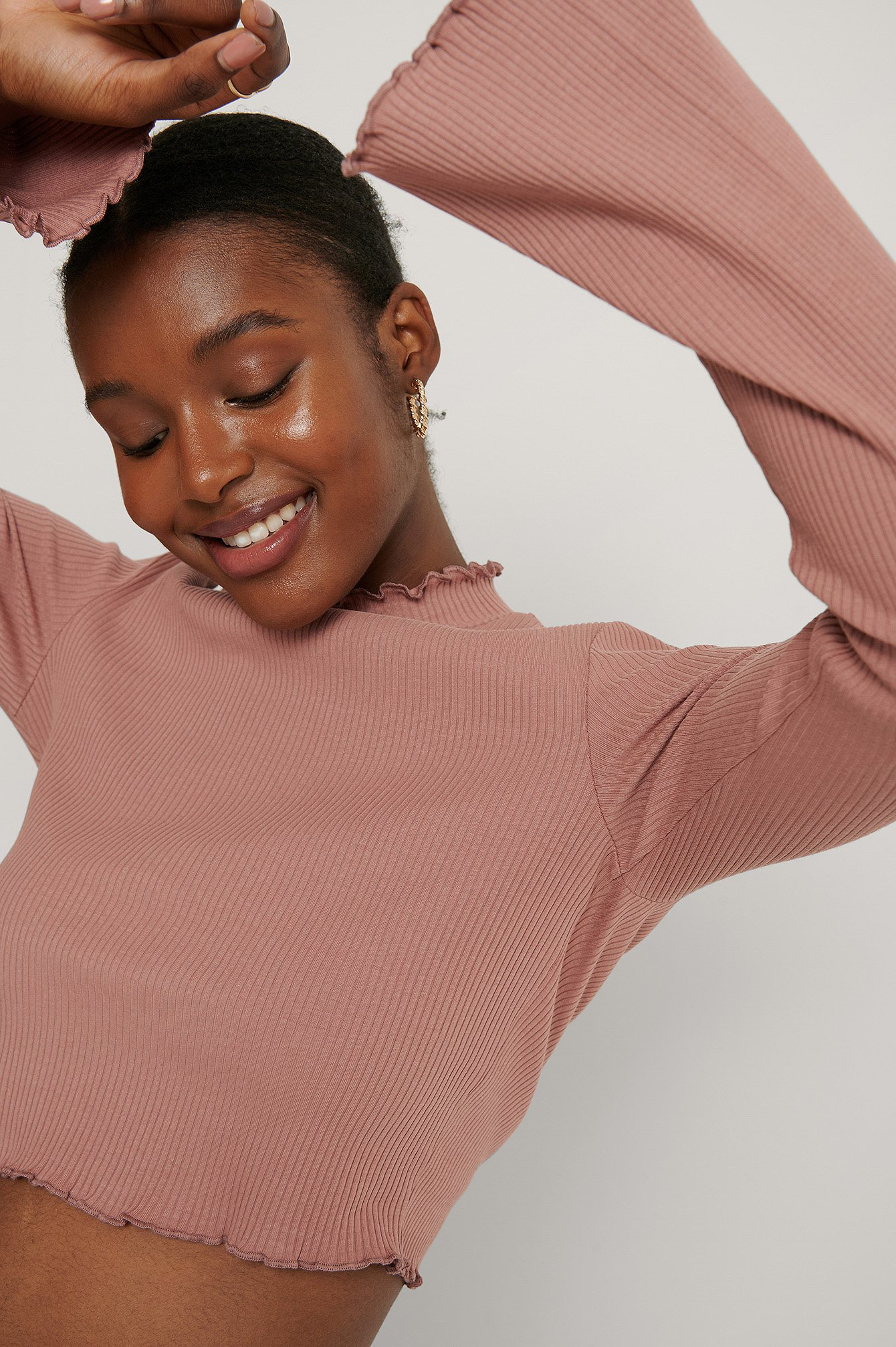 Dusty Dark Pink Cropped Babylock Trumpet Sleeve Top