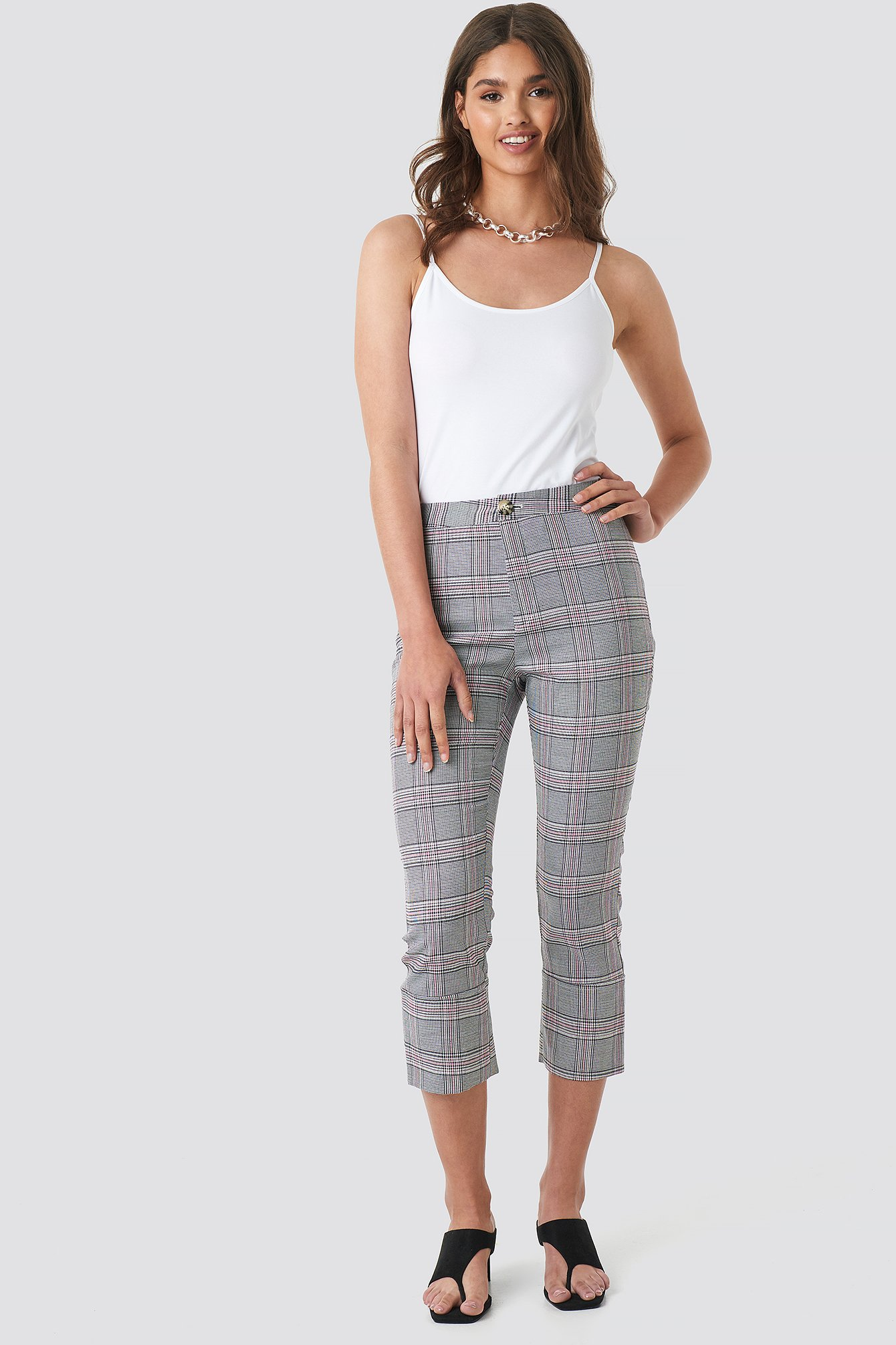 NA-KD | NA-KD Classic Cropped Back Slit Detail Pants - Grey | Goxip