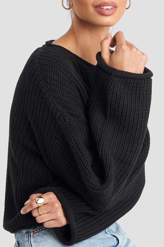 Cropped Boat Neck Knitted Sweater Black