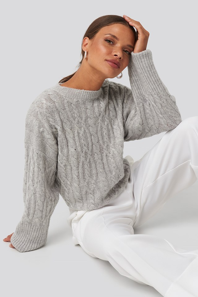 Cropped Cable Knitted Sweater Light Grey