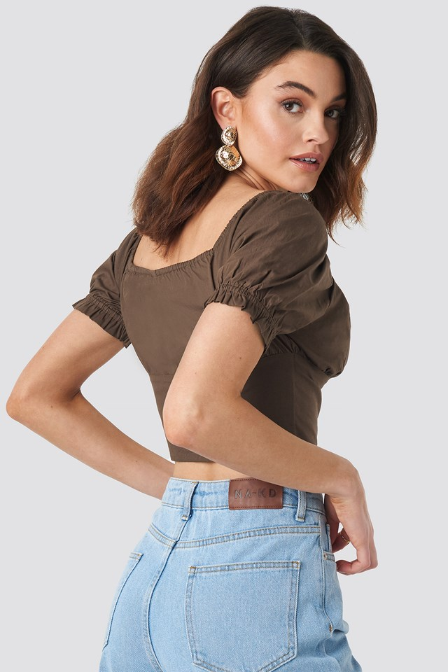 Cropped Fitted Button Top NA-KD.COM