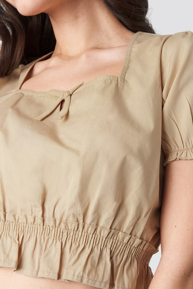 Cropped Frill Short Sleeve Top Beige