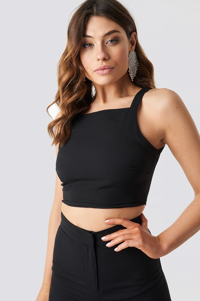 Cropped High Neck Top NA-KD.COM