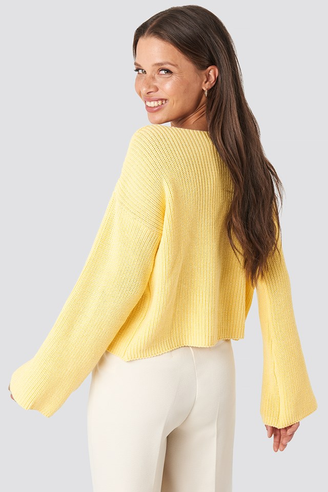 Cropped Long Sleeve Knitted Sweater Light Yellow