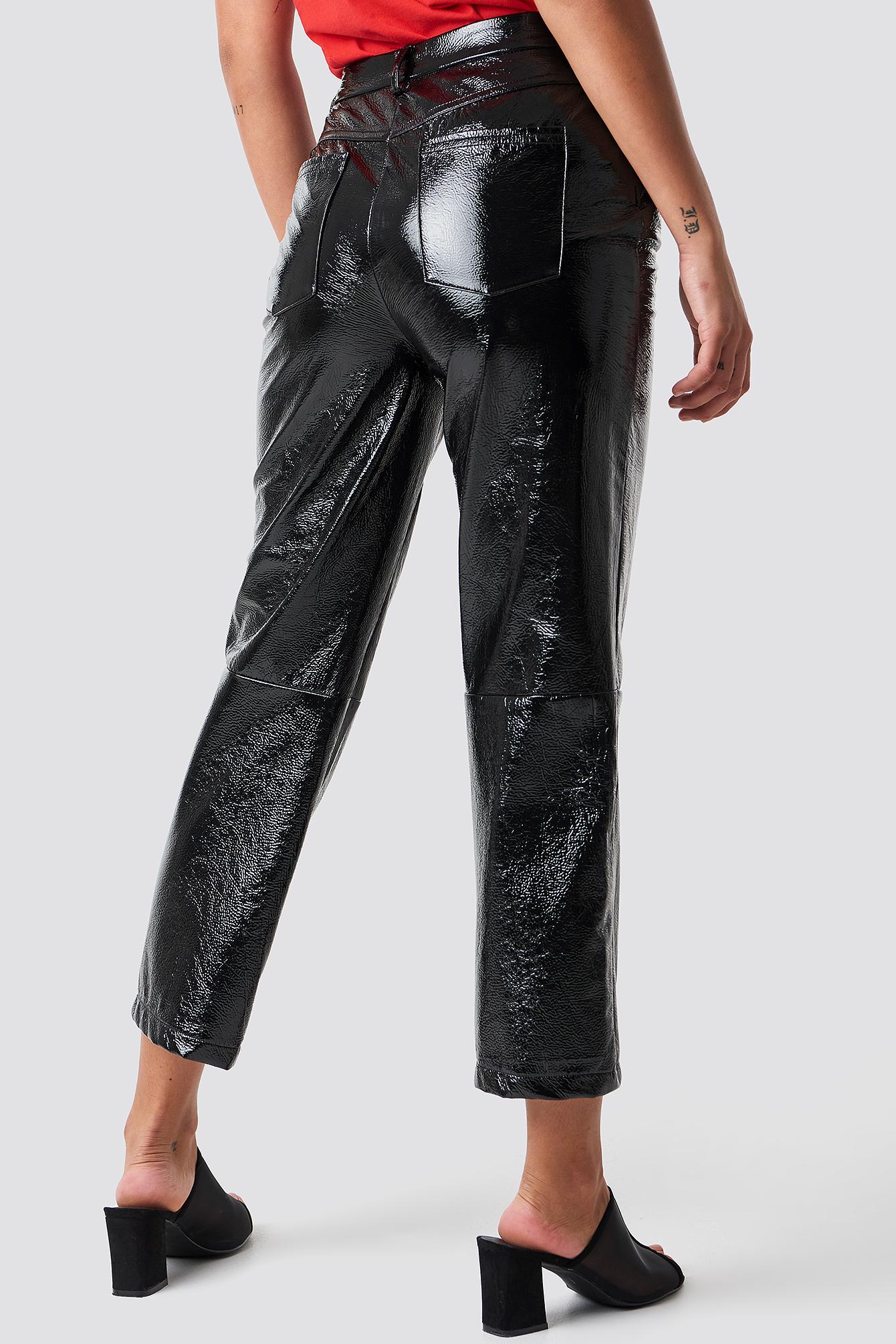 Lakierowane spodnie NA-KD.COM