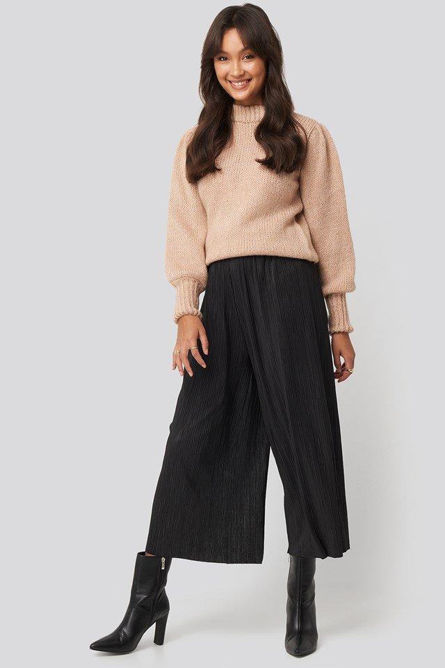 Cropped Plisse Culottes Black