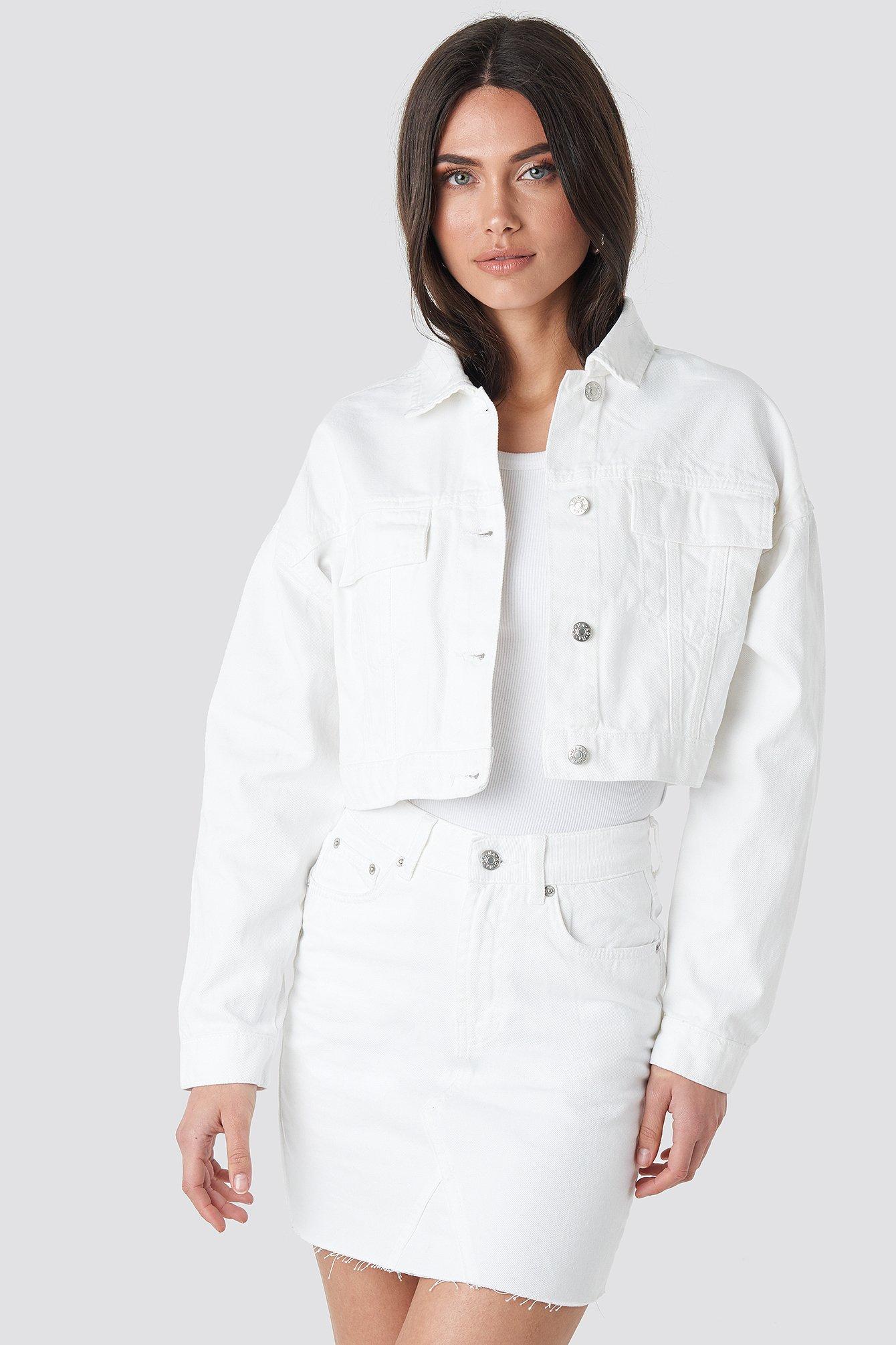 na-kd -  Cropped Regular Hem Denim jacket - White