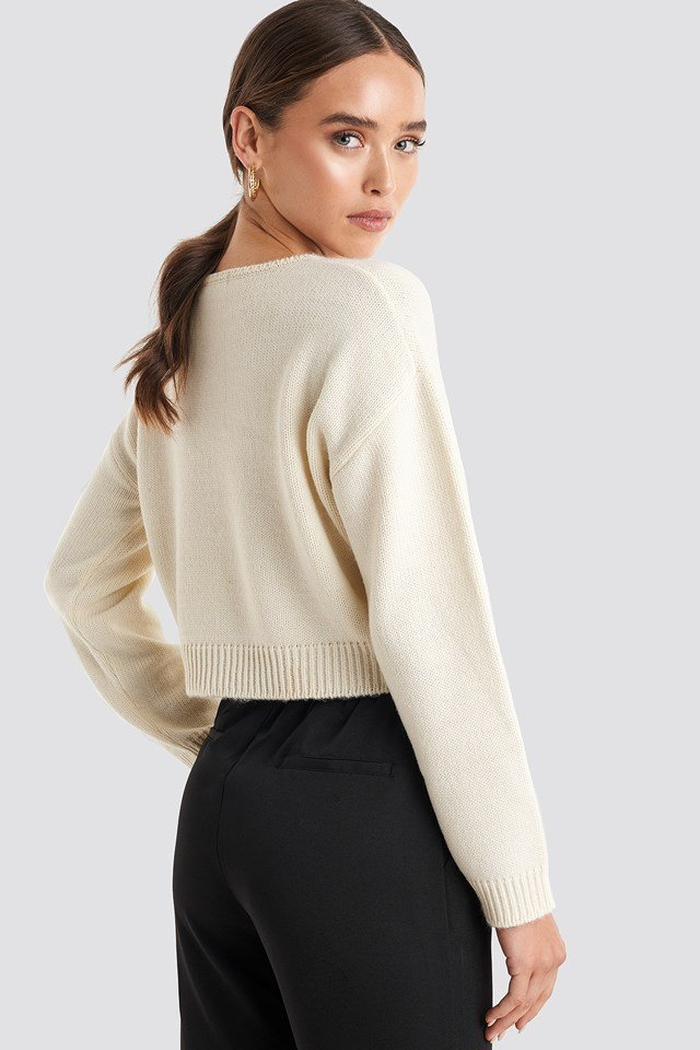 Cropped Round Neck Knitted Sweater White