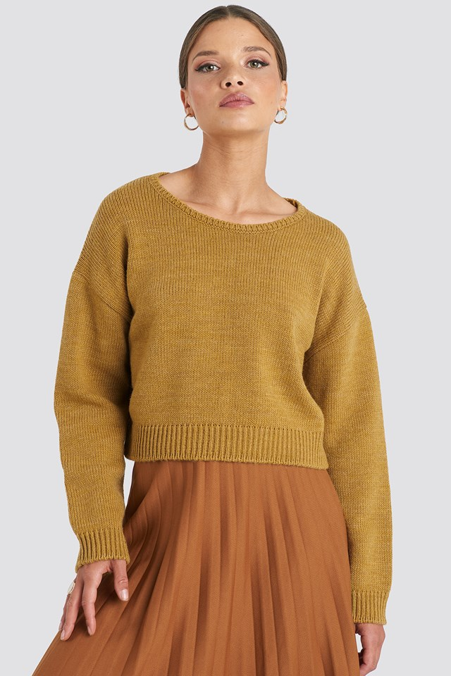 Cropped Round Neck Knitted Sweater Mustard