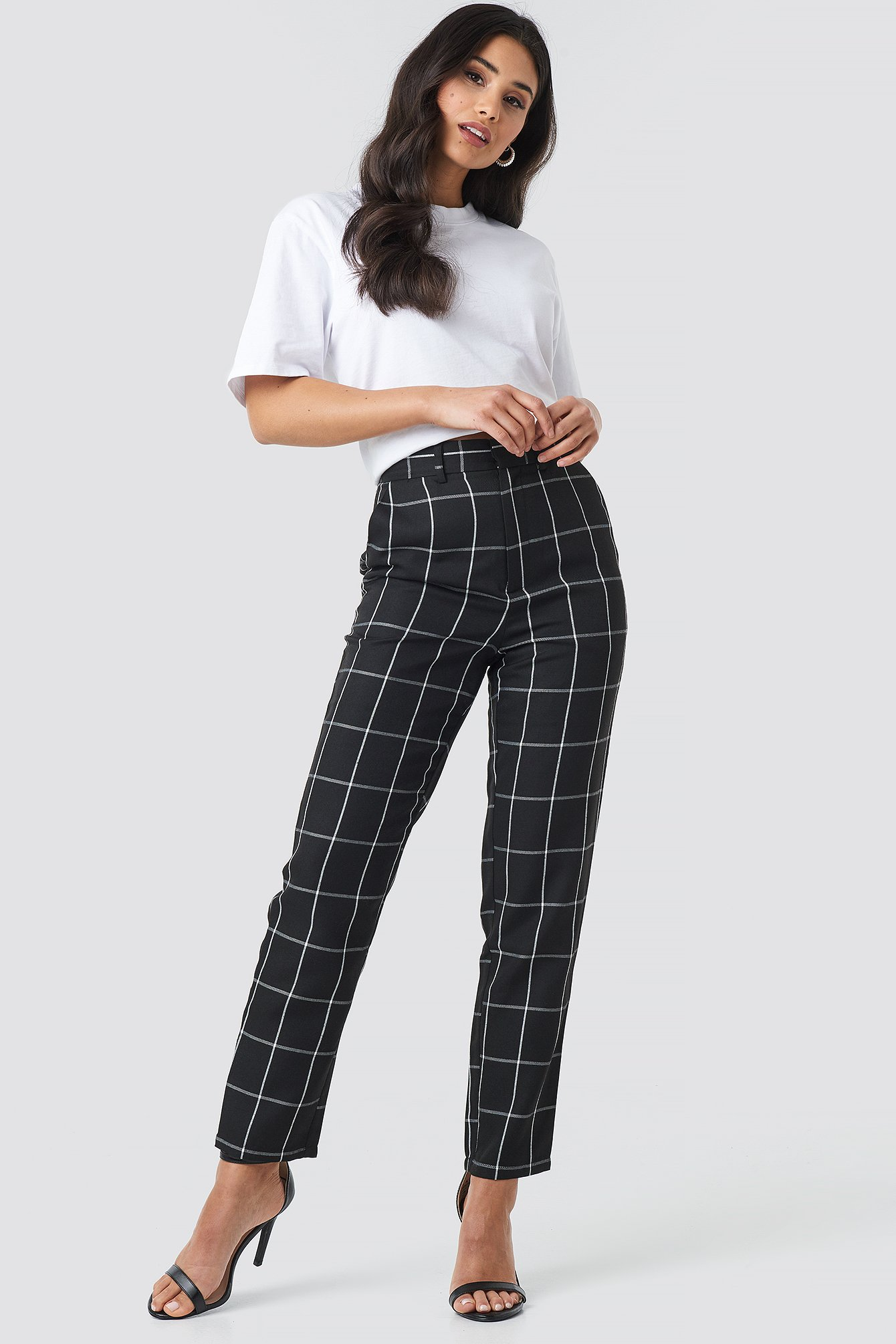 na-kd classic -  Cropped Straight Leg Suit Pants - Black