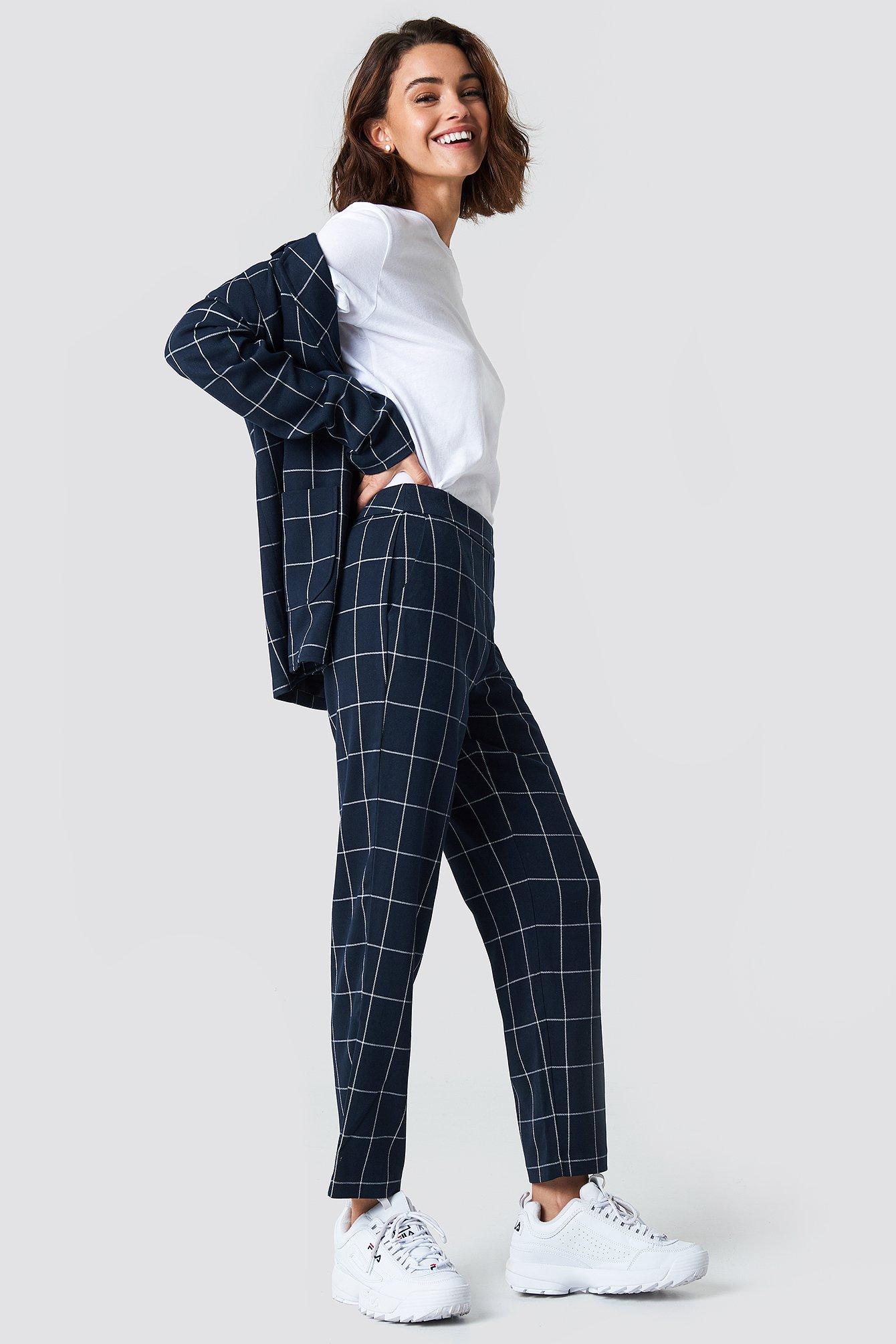 Proste spodnie garniturowe NA-KD.COM