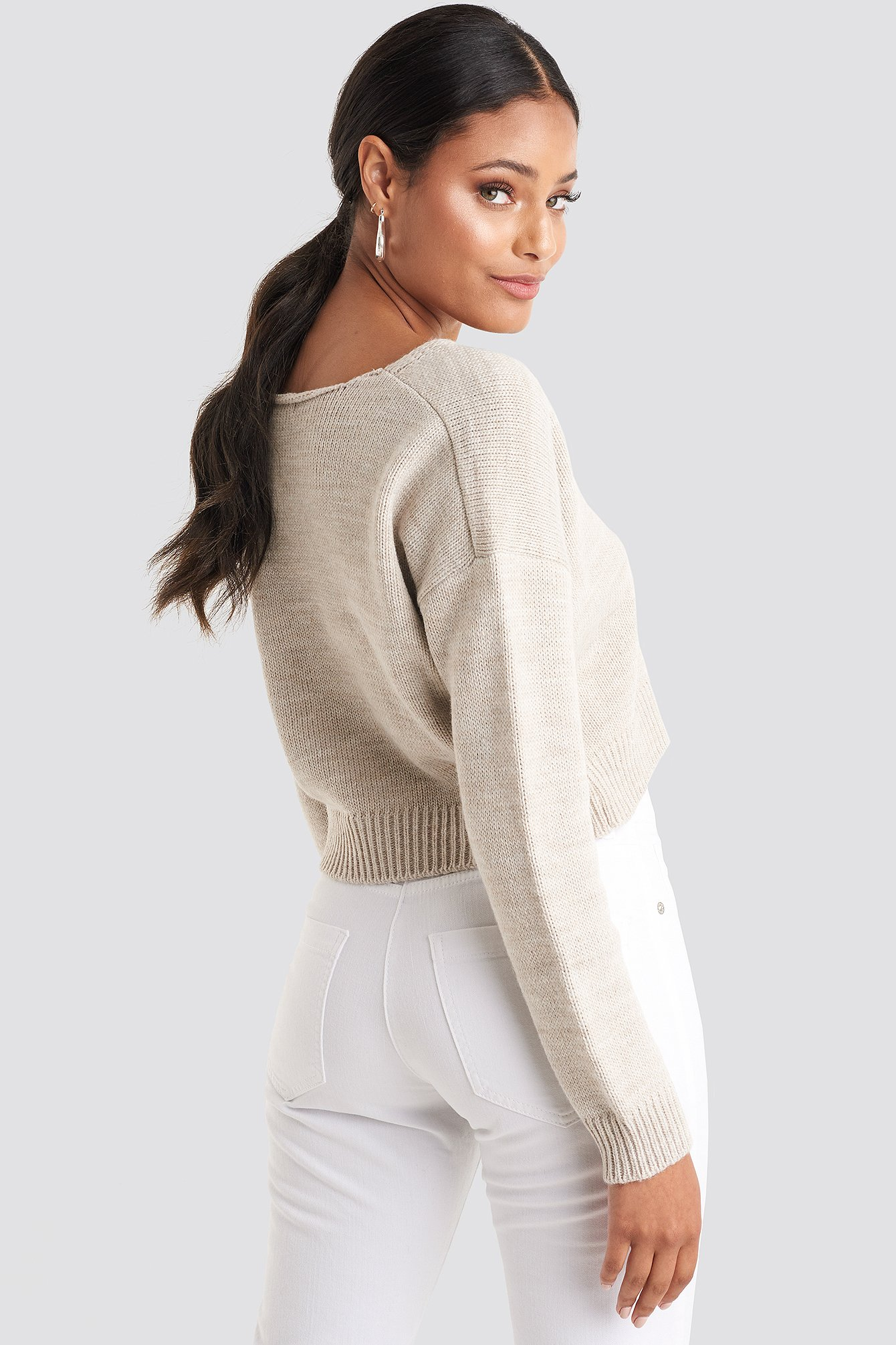 Beige Cropped V-neck Knitted Sweater