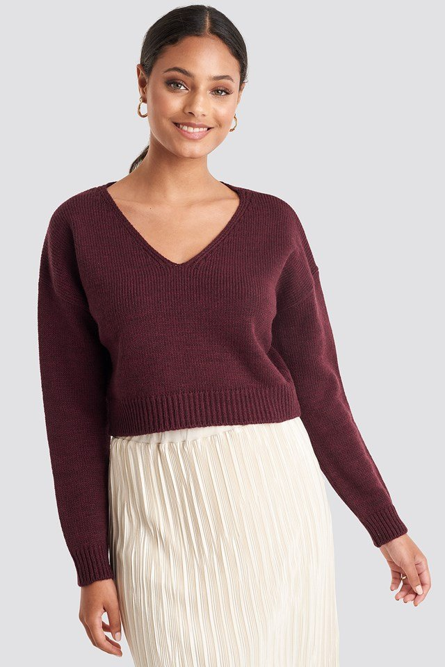 Cropped V-neck Knitted Sweater Bordeaux