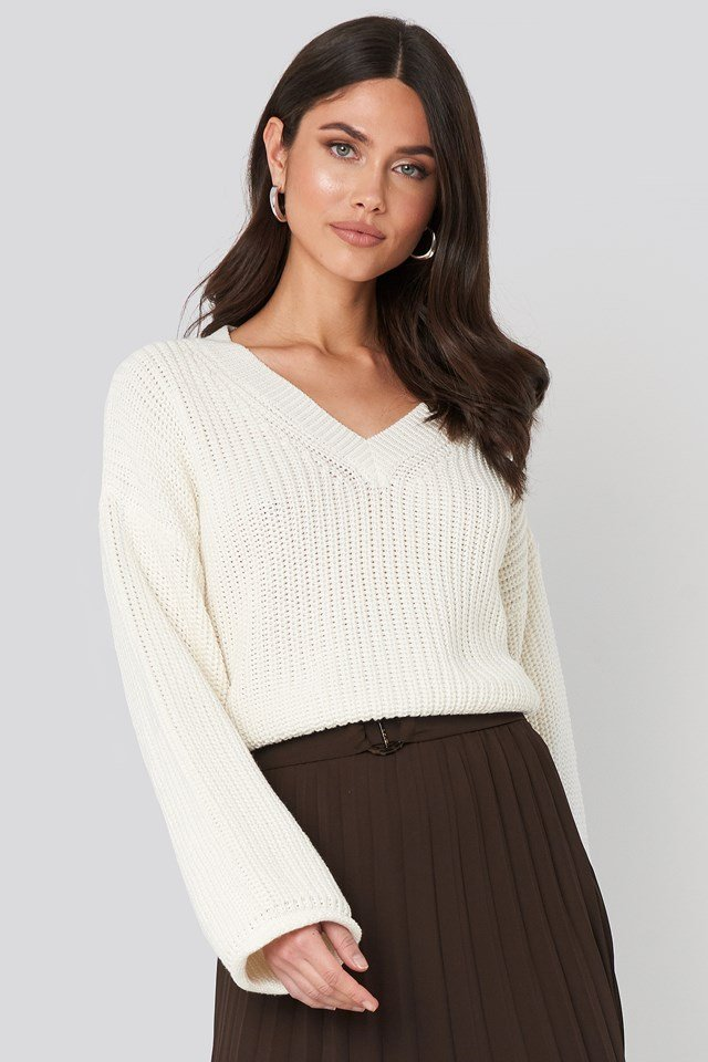 Cropped V-neck Knitted Sweater Offwhite
