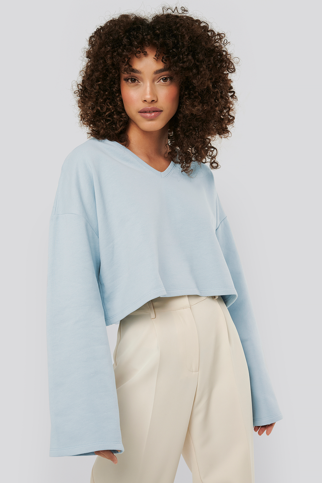 na-kd basic -  Cropped V Neck Oversized Sweater - Blue