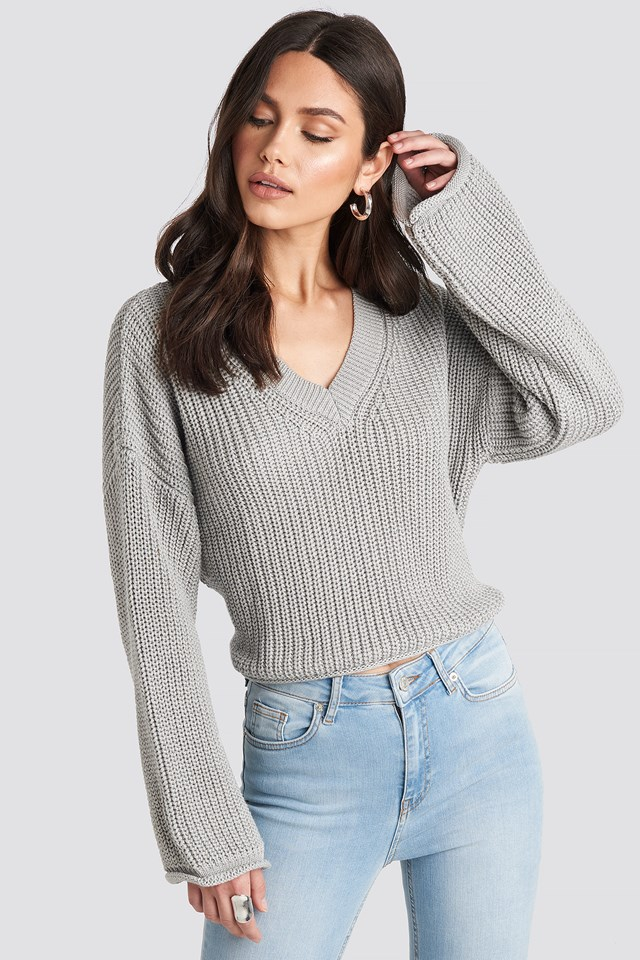 Cropped V-neck Knitted Sweater Light Grey