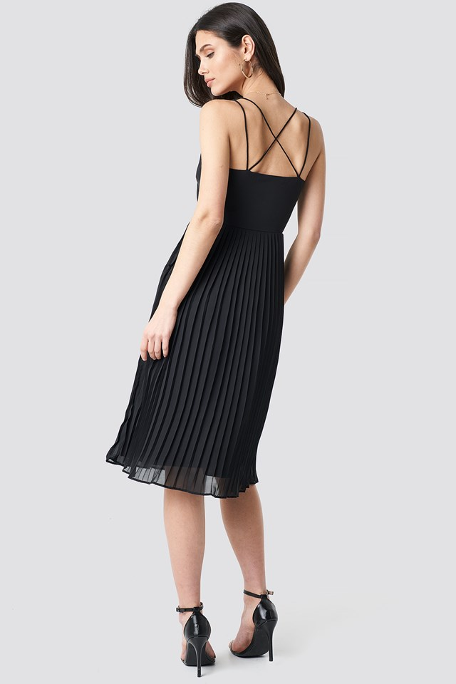 Cross Back Pleated Midi Dress Black