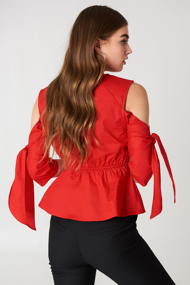 Cut Out Knot Detail Top Red