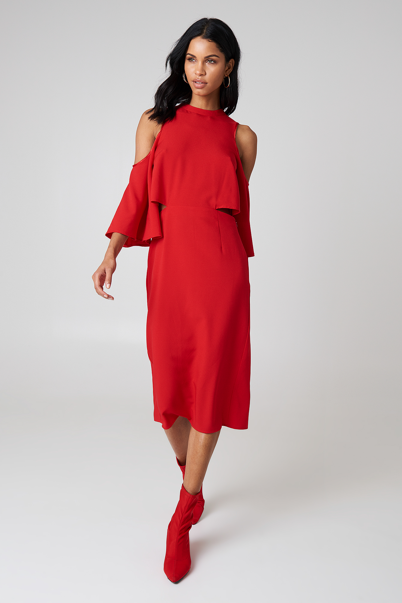 Sukienka z wiązaniem na szyi NA-KD.COM