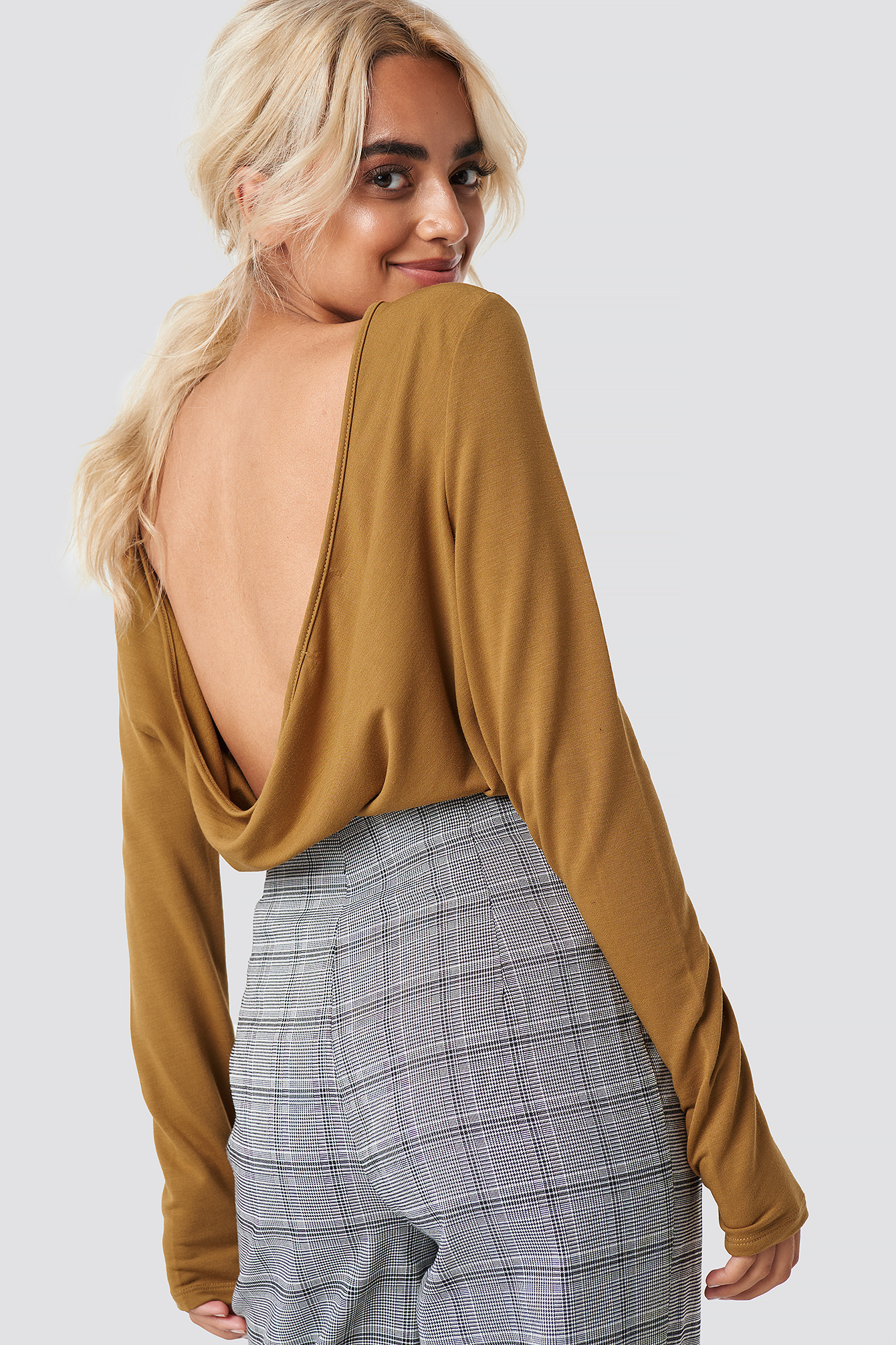 Deep Back Draped Top NA-KD.COM
