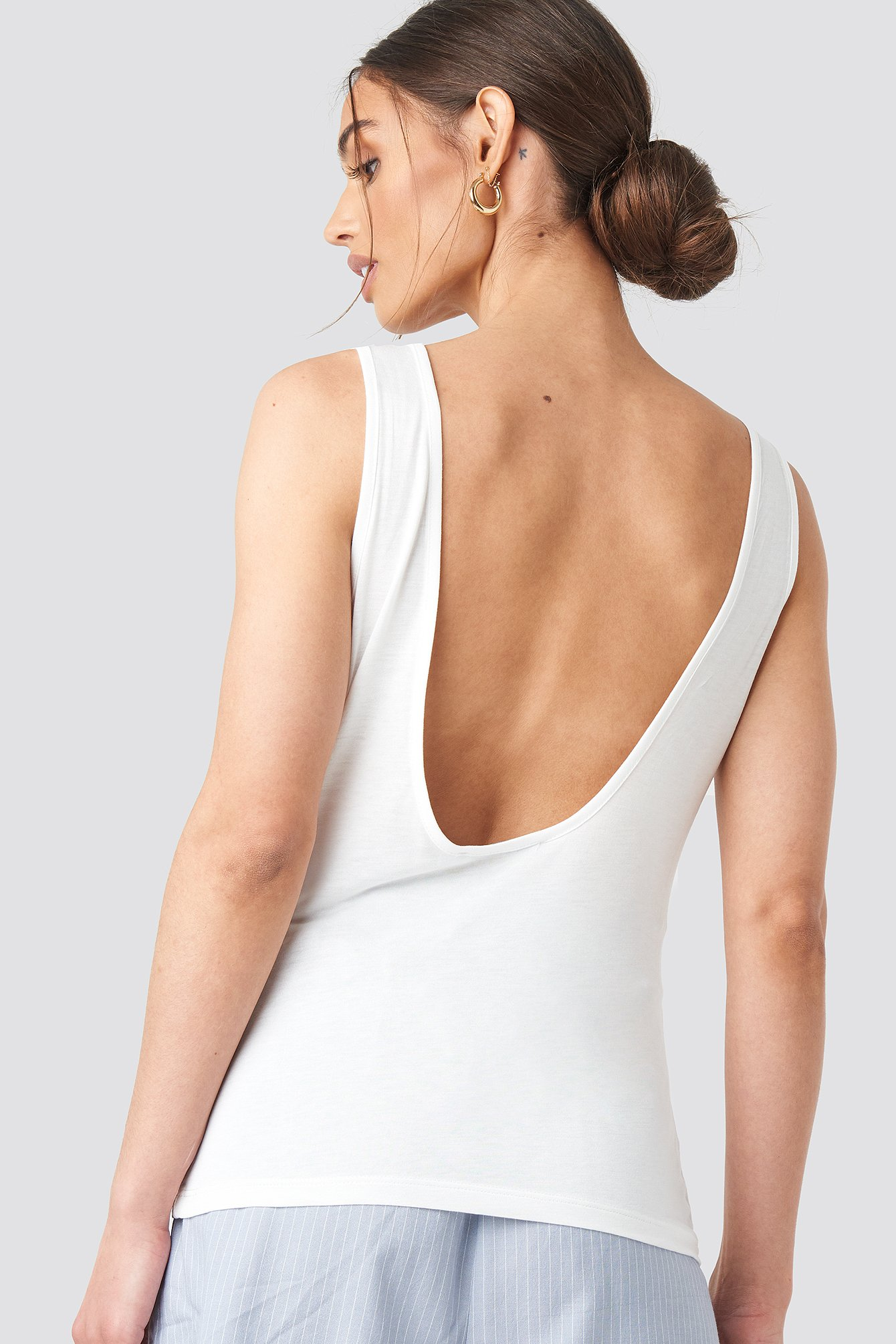 na-kd -  Deep back Viscose Tank Top - White