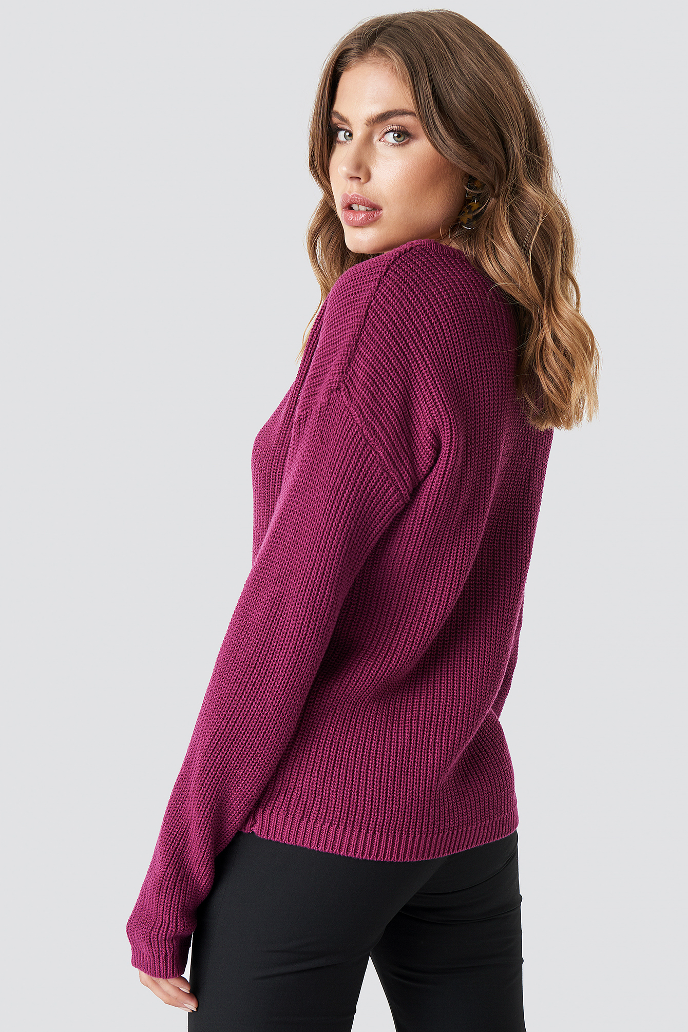 Deep Front V-neck Knitted Sweater NA-KD.COM
