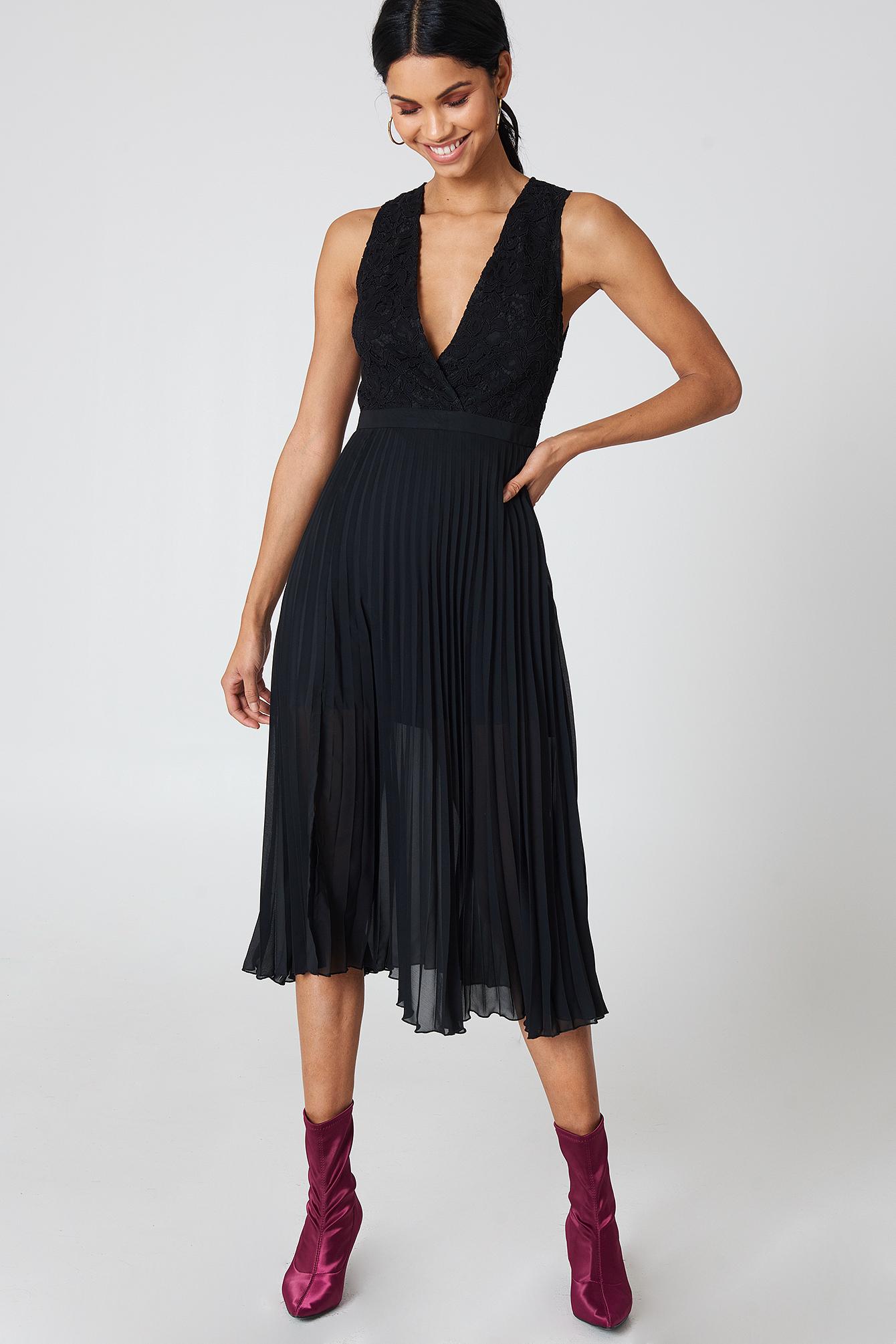 Deep Neck Pleated Dress NA-KD.COM