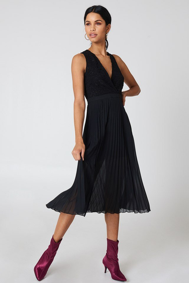 Deep Neck Pleated Dress Black