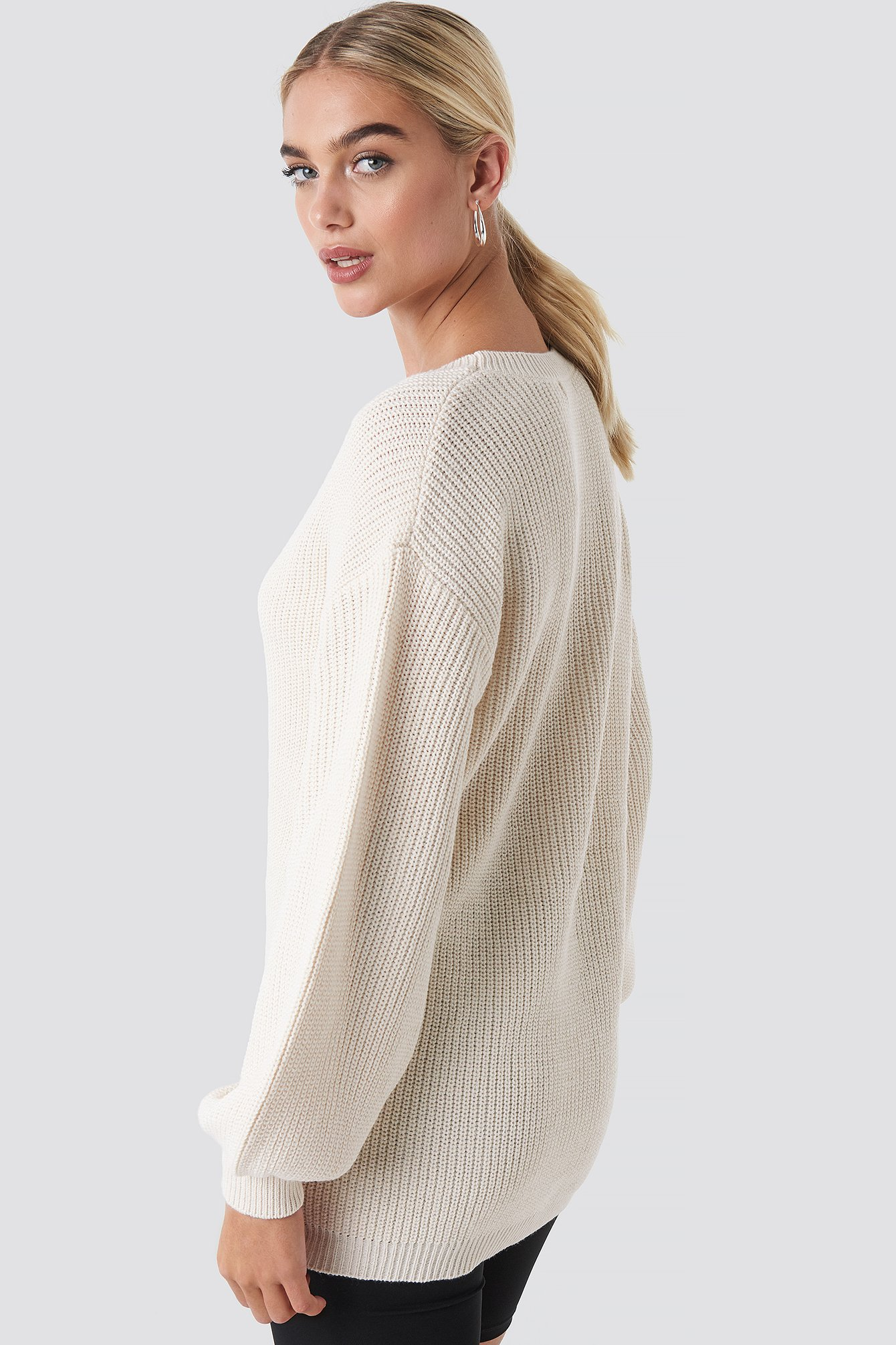 Deep V Front Long Knitted Sweater NA-KD.COM