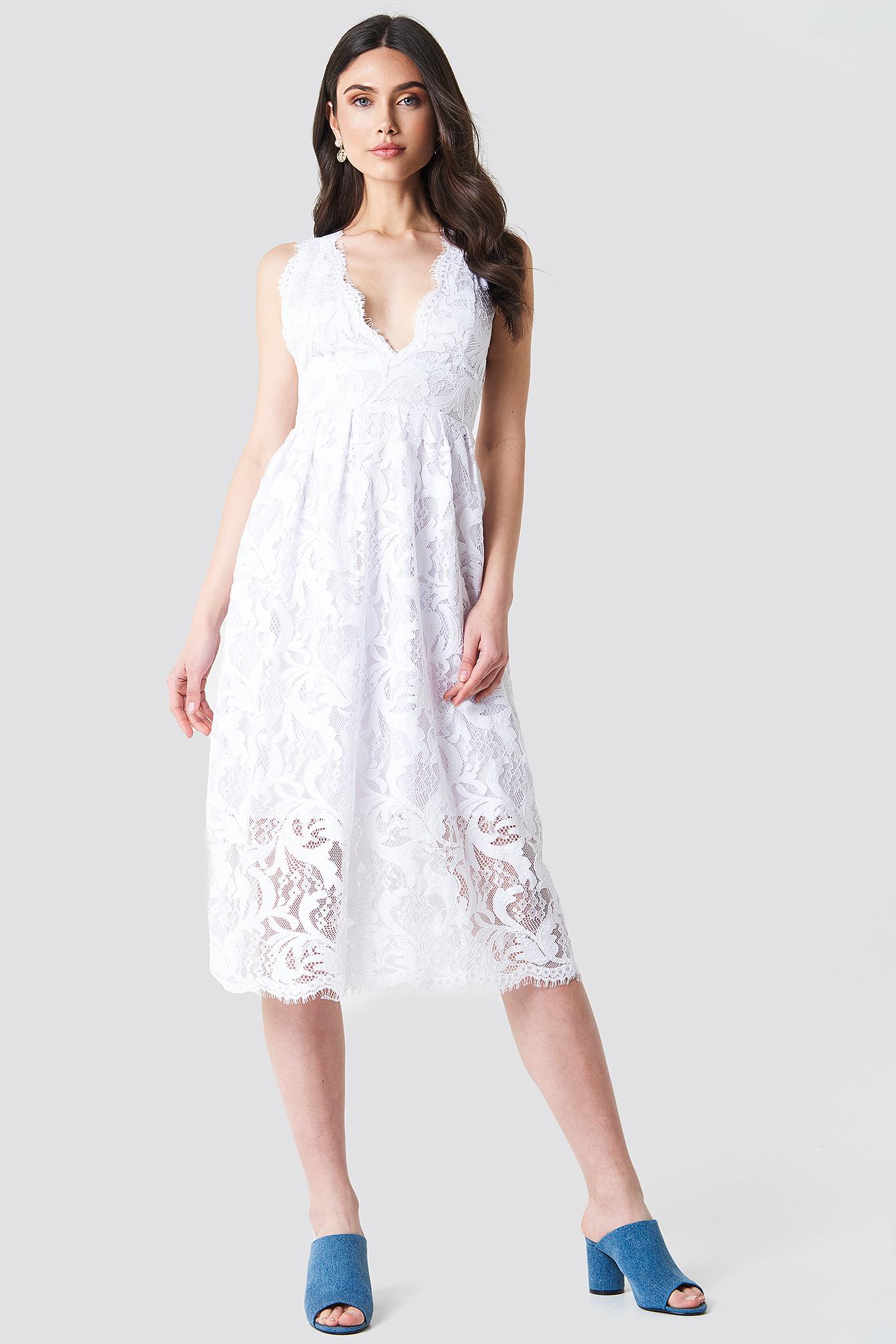 Deep V Midi Lace Dress NA-KD.COM