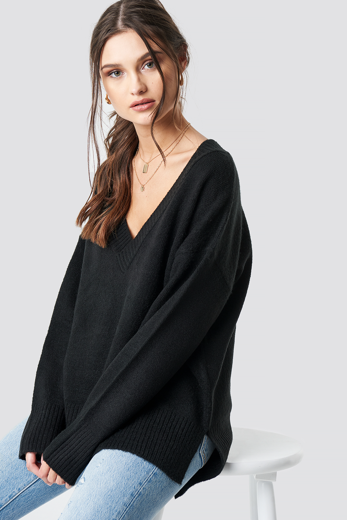 Deep V-neck Oversized Sweater NA-KD.COM