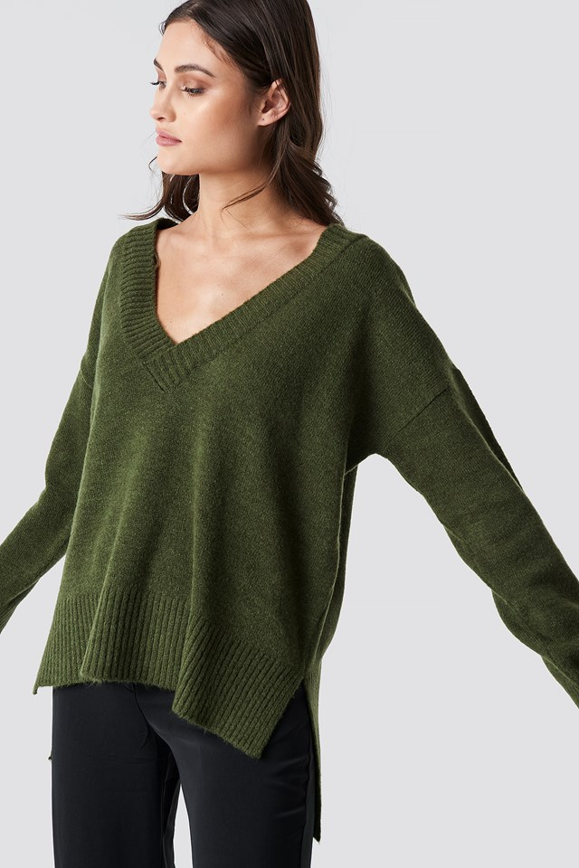 Deep V-neck Oversized Sweater Green