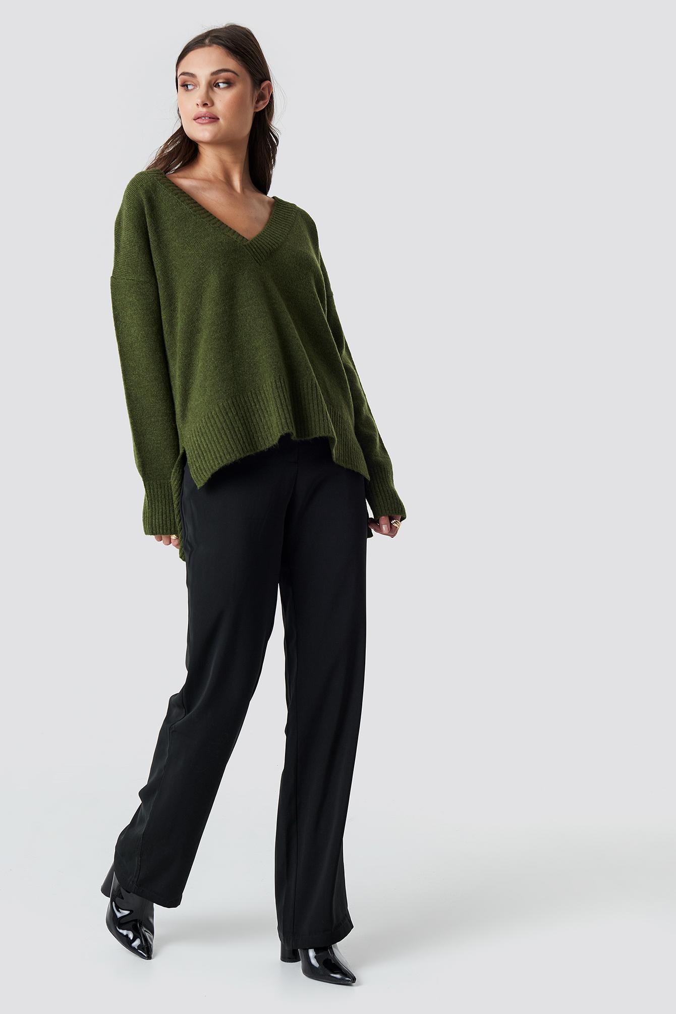 Deep V-neck Oversized Sweater NA-KD.COM