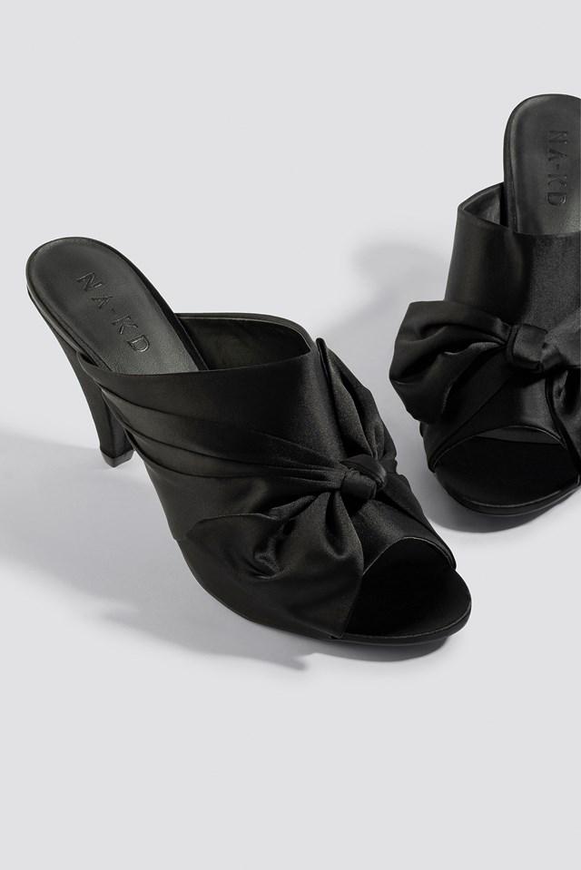 Bow Detail Mule Heels Black