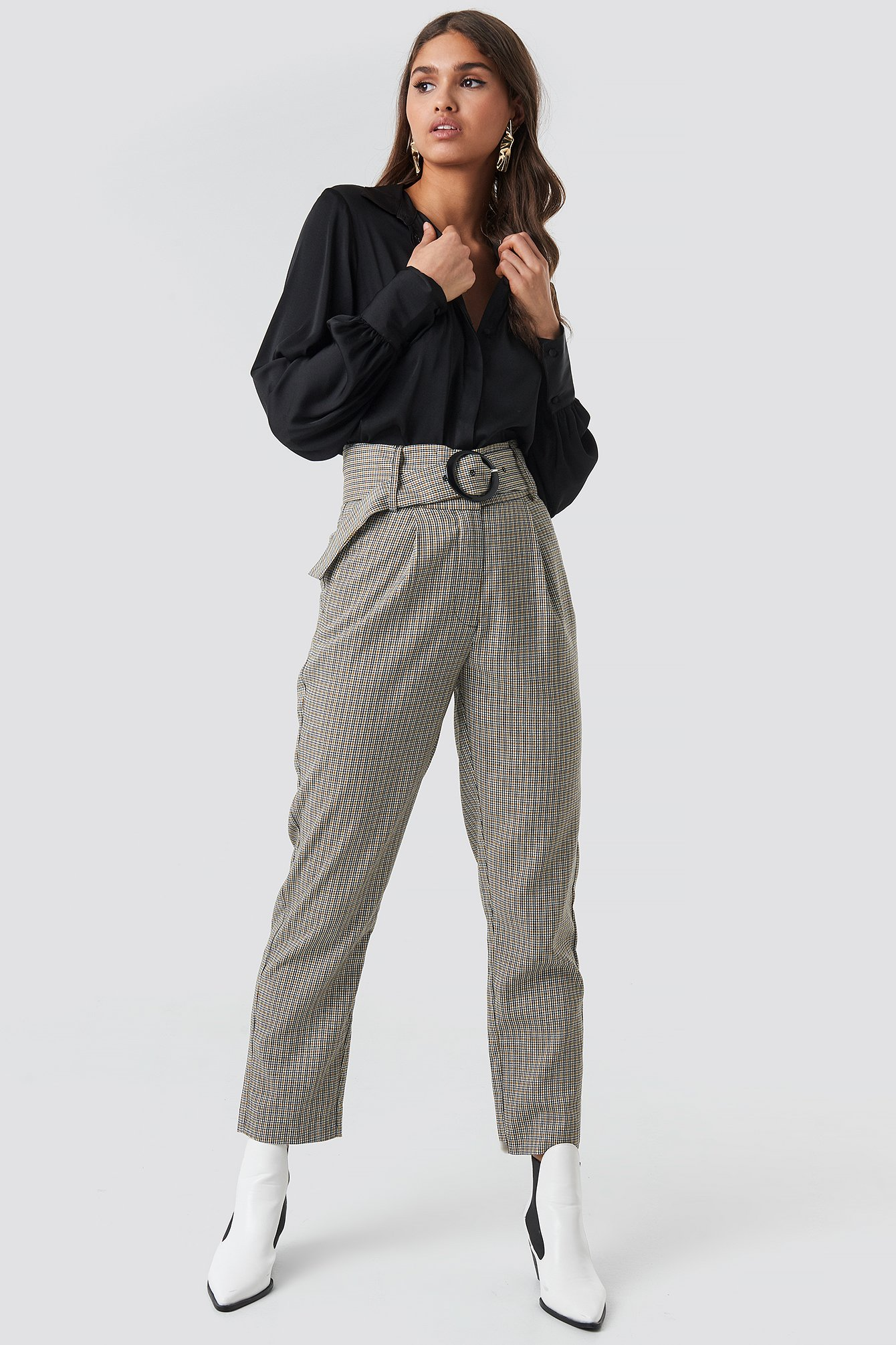 NA-KD Classic Dogtooth Asymmetric Belted Suit Pants - Grey