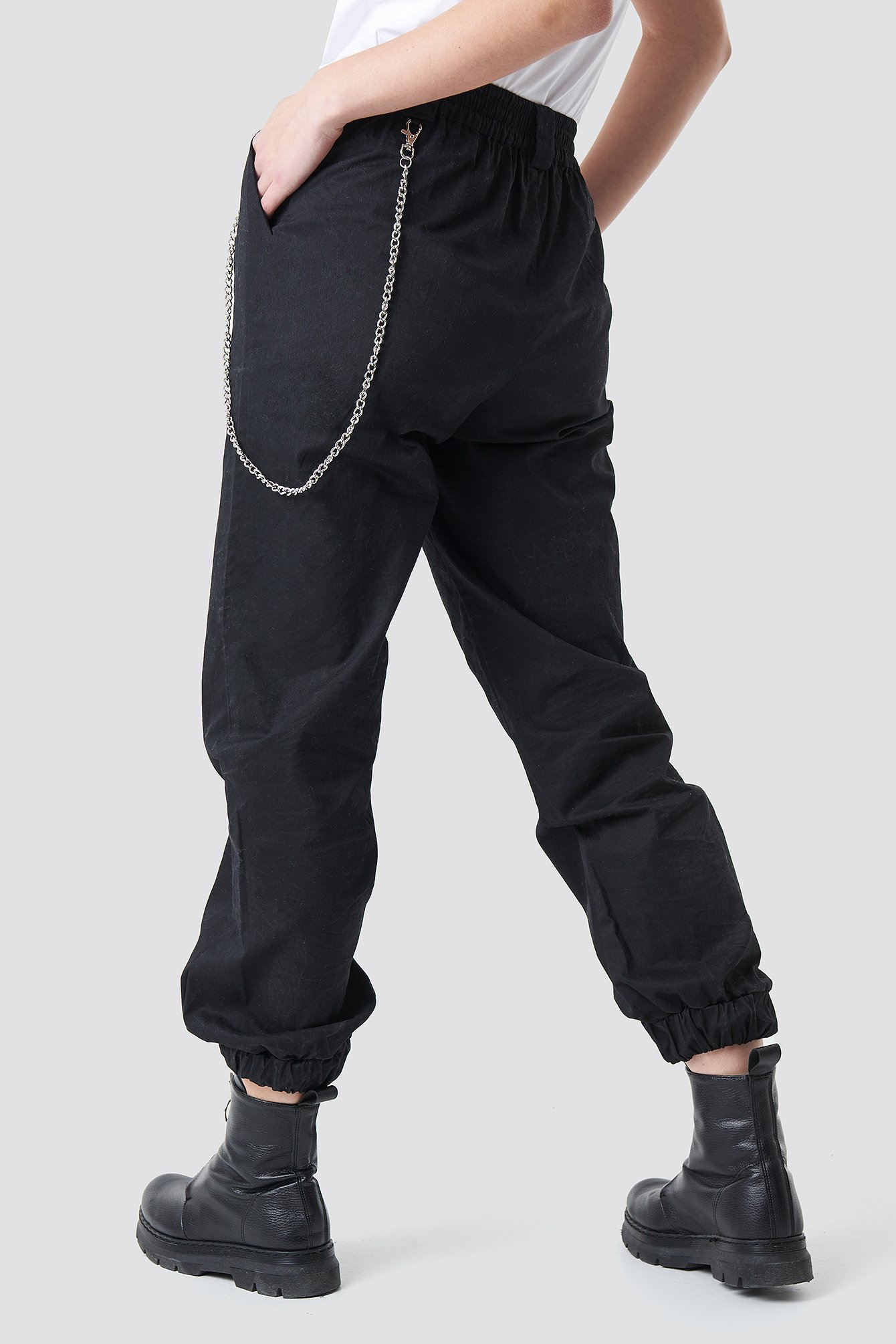 Front Zip Chain Detailed Pants NA-KD.COM