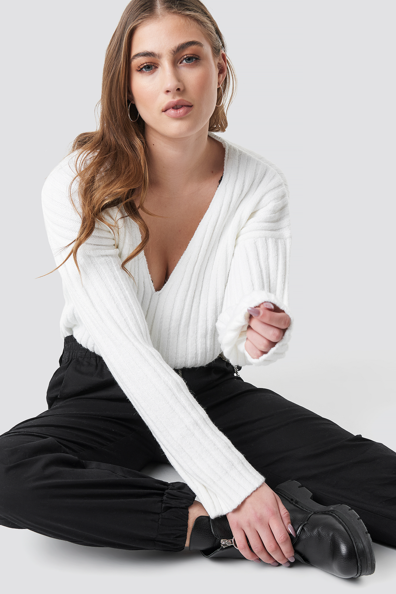 V Shape Ribbed Knitted Sweater NA-KD.COM
