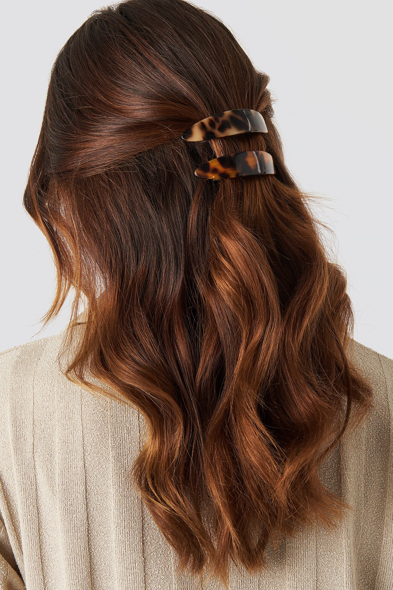 na-kd accessories -  Double Pack Resin Hair Clips - Brown