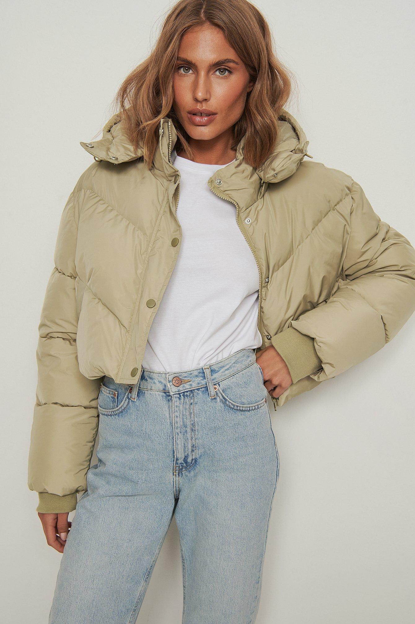 NA-KD Trend Kort vatteret jakke med løbebåndsdetalje - Green