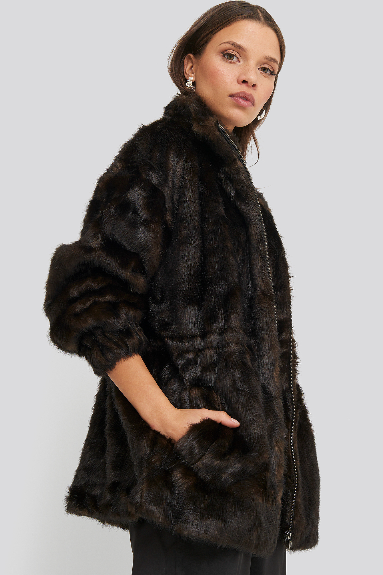 na-kd trend -  Drawstring Faux Fur Jacket - Brown