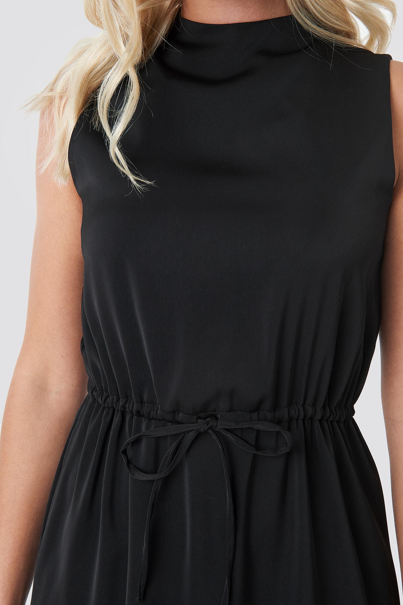 Drawstring Waist High Neck Dress NA-KD.COM
